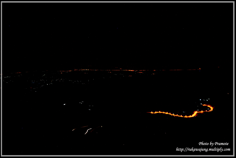 เส้นถทางภูทับเบิกตอนกลางคืน